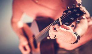 acoustic-guitar-musician-P6ERZQQ